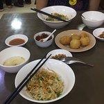 Foto 999 Shan Noodle House