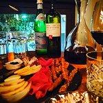 Photo de Vintage Wine Bar & Bistro