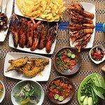 Lobster Bakar Madu, Ayam Goreng Kampung, Sate Maranggi, Sop Buntut, dan Sambel Dadak.