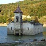 Bilde fra Old Mavrovo Church