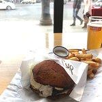 Фотография Moo Moo Burgers