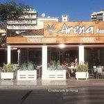 Arena Resto & Barの写真