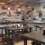 Foto de Cole's Bar-B-Q