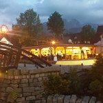 Zakopane Krupówki - jedna z restauracji góralskich.