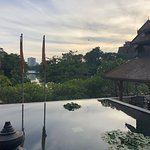 Chatrium Hotel Royal Lake Yangon Photo