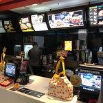 麦当劳(忠孝八店)照片