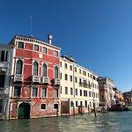 Фотография A Guide In Venice