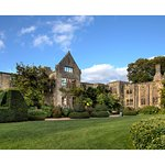 Foto Nymans Gardens and House
