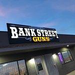 Bank Street Guns Resmi