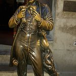 Foto di Monument to Leopold von Sacher-Masoch