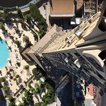 Photo de Eiffel Tower Viewing Deck