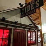 Foto de The Tides Wharf Restaurant