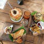 Foto de Kayu Cafe