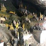 Foto di Pak Ou Caves