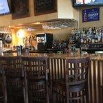 صورة فوتوغرافية لـ Ginny Lane Bar & Grill