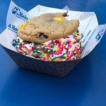 Foto de The Baked Bear - Custom Ice Cream Sandwiches