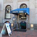 Foto de Salty Dog Seafood Grille & Bar