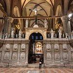 Foto de Basilica Santa Maria Gloriosa dei Frari