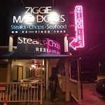 Ziggie & Mad Dog's照片