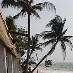Foto van Mamas Coral Beach Restaurant