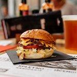 Hood Burger Centerの写真