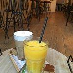 Foto van The Happiness Cafe