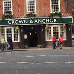 Foto de Crown and Anchor