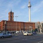 صورة فوتوغرافية لـ Rotes Rathaus