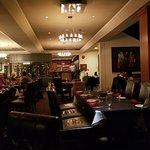Foto de Carver's Steakhouse & Lounge