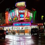 Фотография Geno's Steaks