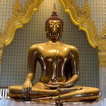 Temple of the Golden Buddha (Wat Traimit) Photo