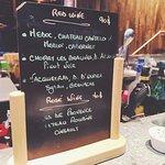 Фотография Scarlett Café & Wine Bar