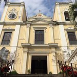 St. Lawrence's Church - Neo-Classical architecture