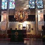 Father Damien's Crypt resmi