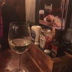 Photo de Milnes Bar