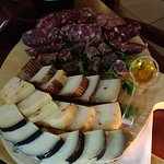 tagliata salumi e formaggi do bufalo campano