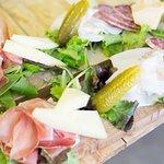 Tagliere Trentino con formaggi e salumi