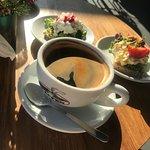 Foto de Caffe przy ulicy