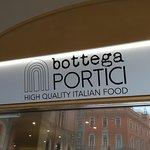 Φωτογραφία: Bottega Portici - 2 Torri