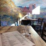 Foto van 5 Walnut Wine Bar