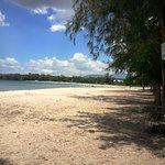 Photo de Tamarin Bay