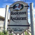 Foto de Bookstore & Restaurant