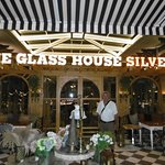 ภาพถ่ายของ The Glass House Silver