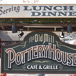 Foto de The Pottery House Café and Grille