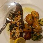 המסעדה במלון לאונרדו מדהימה אוכל מצויין טעים טרי  אחת המסעדות הטובות באיזור אים לא הטובה מכולם היה נפלא!!!@