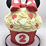 minnie mouse jumbo cupcake