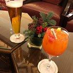 Drinks at the HI lounge bar