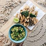 Guacamole w/ homemade plantain chips
