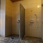 大浴場内シャワー