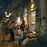 """Εξωτερικός χώρος του 'Μάγευσις"""" στα Λαδάδικα ,Αιγύπτου 11-Λαδάδικα -θεσσαλονίκη"""